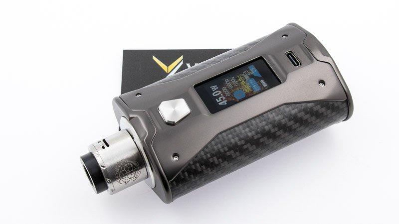 "nous avons associé la box SX Mini X Class BF en version ""carbon fiber"" au dripper Bestia Mini B de Bestia Mod"