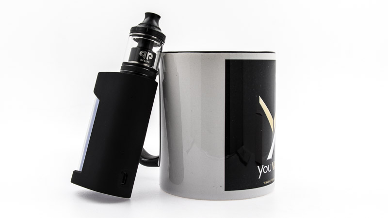 fatal mod clear aoddé à un mug youvape
