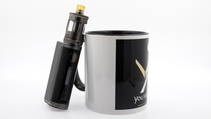 nautilus Gt adossé à un mug youvape
