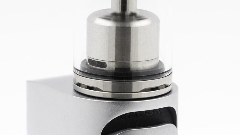 La cloche est de petite taille, pour renforcer l'expression des saveurs. Les arrivées d'air sont discrètes et originales : elles ne se règlent pas. Pourtant, l'airflow est bien réglable.