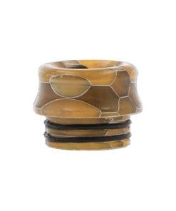 Drip Tips 810 avec joints, en Résine maillée en nid d'abeille, disponibles en 3 couleurs : vert, orange, violet. Leur forme évasée est confortable pour les lèvres.