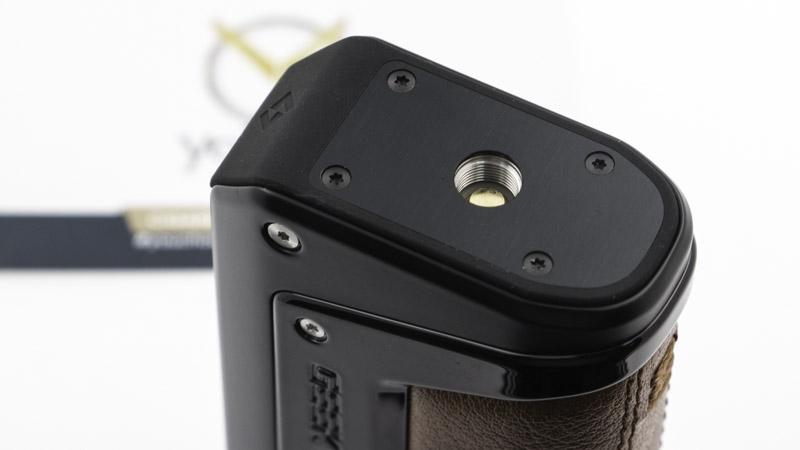 Le connecteur 510 s'équipe bien sûr d'un pin sur ressort pour s'adapter à tous les atomiseurs, jusqu'à 24mm sans débord.