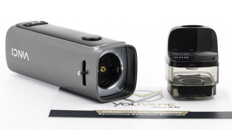 Le Pod de Voopoo se compose de deux éléments :  Le mod et sa batterie intégrée, qui permet un réglage de puissance jusqu'à 50 watts. La cartouche, interchangeable, qui accueille des résistances PnP de Voopoo, et contient 6.5ml de e liquide.