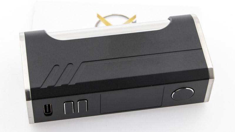 La Box Esset SE fait très bien son travail de box électronique. Elle fournit la bonne énergie à votre atomiseur, pour qu'il produise sa meilleure vapeur et vous donne des sensations. Mais elle y ajoute l'élégance de ses lignes pures,