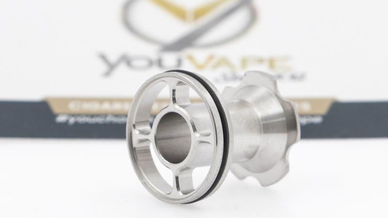 Comment marche-t-il ? Sur le principe, c'est assez simple, tout le secret est dans la conception et la précision d'usinage de la pièce d'acier dans le réservoir. Deux principes physiques sont sollicités : la capillarité, et la pression.