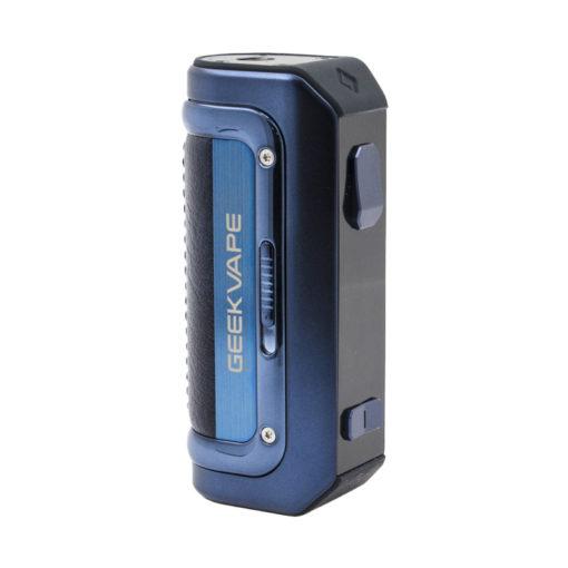 Grâce à sa batterie intégrée de 2500mah, la box Aegis Mini M100 de Geek Vape vous offre de belles heures vape sans avoir à la recharger. Comme ces prédécesseurs, elle arbore une armature en caoutchouc lui permettant d'être protégée contre l'eau, les chocs et la poussière certifiée avec sa norme IP68.