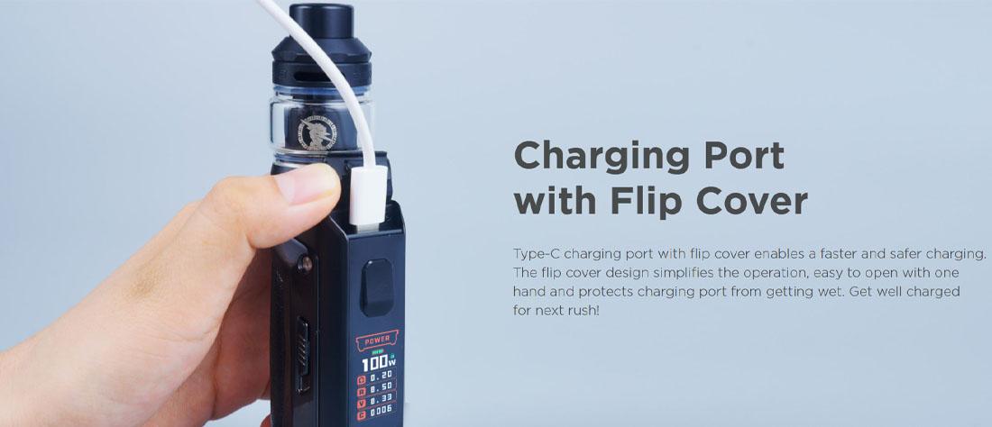 Geek vape place le port de recharge (et de mise à jour), en Usb-c, dans un endroit original, qui s'avère fort pratique. Un bouchon en silicone basculant assure son étanchéité lorsqu'on ne s'en sert pas. Le port Usb-c peut charger à 2A, soit 1.5h pour un accu de 3000 mAh. Nous recommandons cependant l'utilisation d'un chargeur externe pour recharger vos accus.